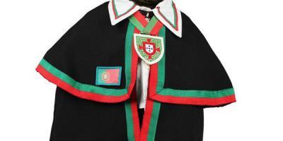 Manneken-Pis aux couleurs de la Confraria dos vinhos de Portugal