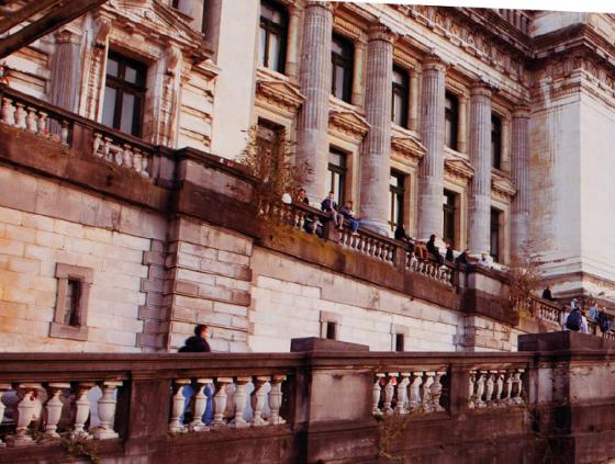Programme d'été sur les rampes du Palais de Justice