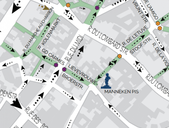 Zone piétonne. Rue du Midi et des Grands Carmes