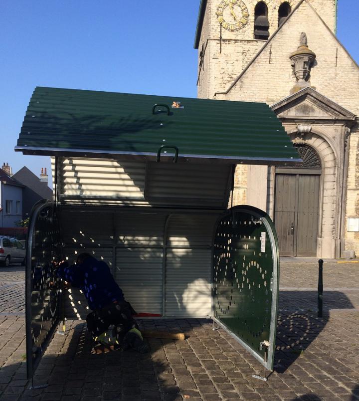 Premier box à vélos à Haren